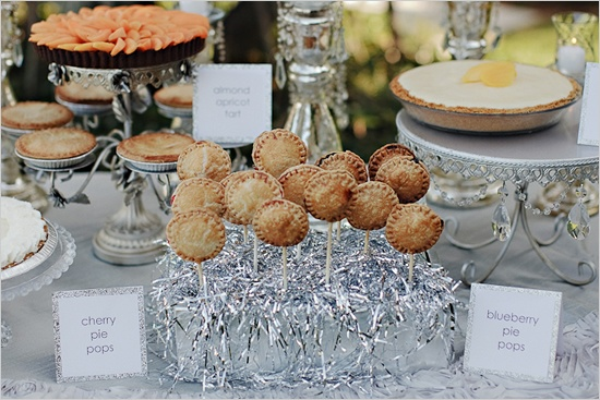 cherry and blueberry pie pops!! Love this whole 'backyard glam' wedding :)