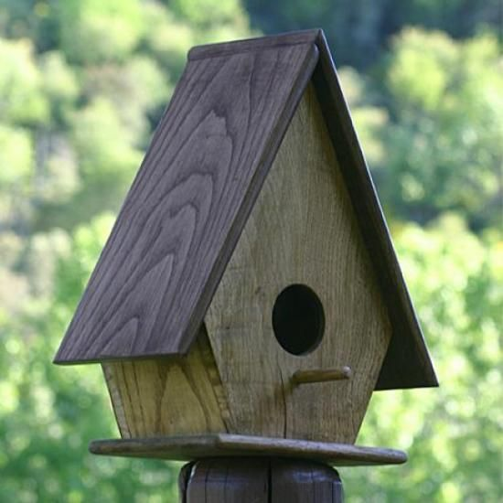 casita de pajaros madera de castaño carpinteria,barniz a poro abierto