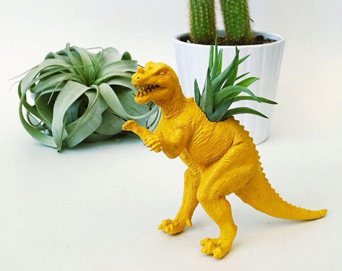 Kleine mosterd gele Euornithopoda dinosaurus Planter w / lucht Plant; Dinosaur Planter; Air Plant; Planter; Een bureau-accessoire; Dinosaur; Woon Decoratie