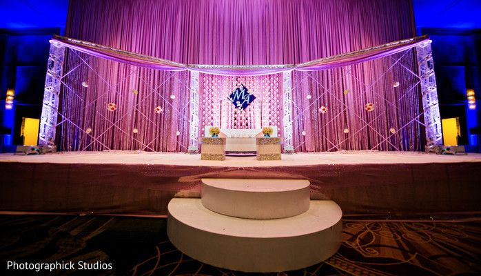 Think this can be a nice reception backdrop (wihtout the big pink curtains) - just use that middle pice and make it more opaque then the delicate design on the sides.