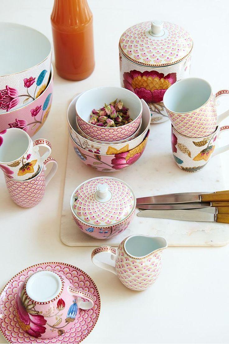 Pip Studio the Official website - Big Floral Fantasy mug pink
