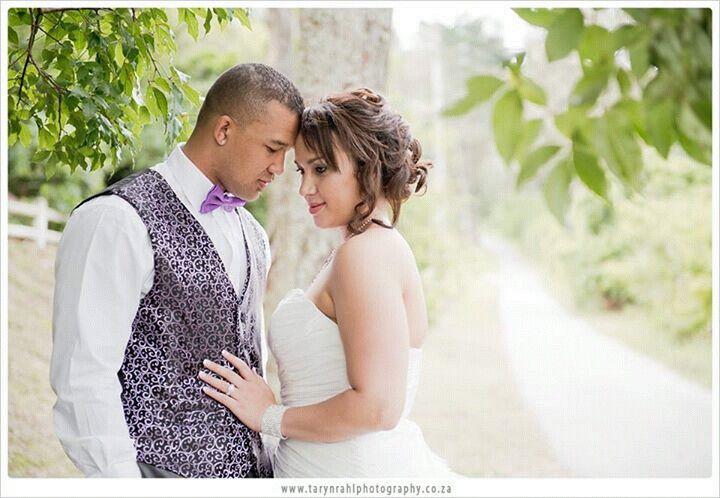 Purple grooms