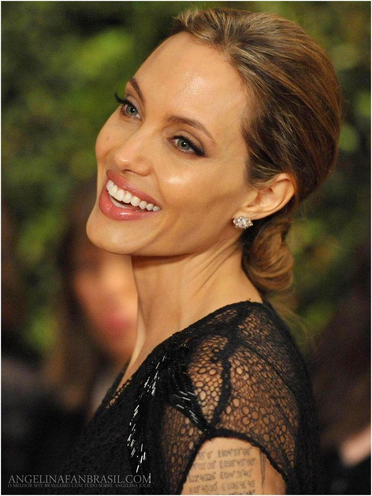 Jolie, Lansbury, Martin, Tosi accept Oscars
