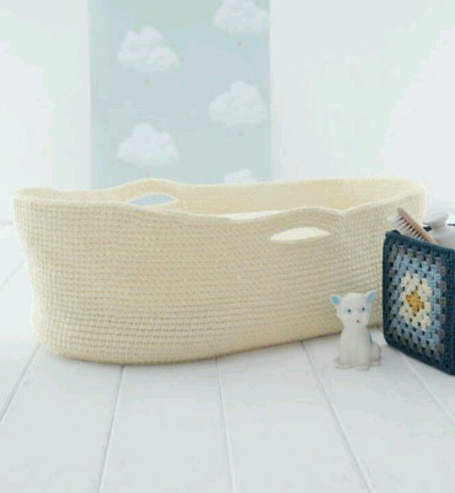 Crochet pattern for moses basket. From phildar - possibly the cutest baby gift ever?