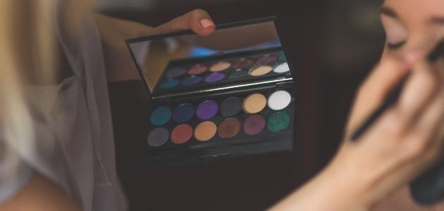 نتيجة بحث الصور عن مشغل نسائي صالون تجميل Cosmetology Becoming A Makeup Artist Makeup Artist Career