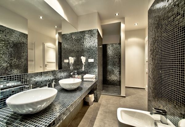 That's a dream to have bathroom like this. You can stay here with us!