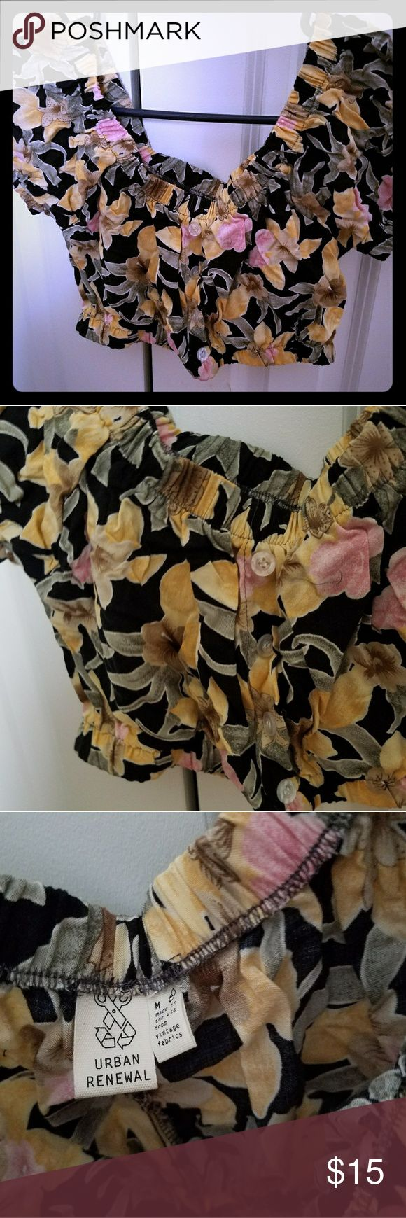 Urban Outfitters Floral crop top Very cute crop top perfect for summer. Never worn Urban Outfitters Tops Crop Tops