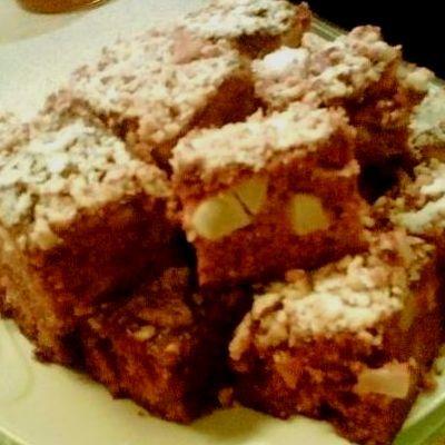 Fahéjas-almás-diós bögrés sütemény