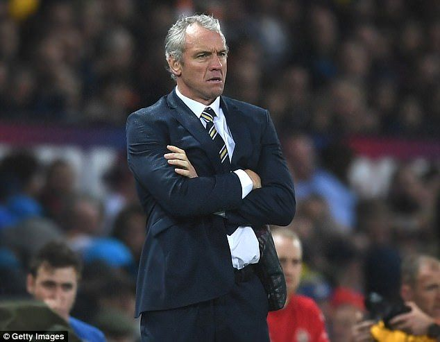4520E98800000578-4958786-Leeds_boss_Brian_McDermott_looks_on_as_he_hopes_to_seal_his_four-a-7_1507403369359.jpg (634×493)
