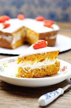 Я пробовала много морковных пирогов и тортов, но этот, с взбитыми белками – совершенно особый, легкий и очень вкусный. Этот рецепт Ирины Чадеевой , хочу выразить…
