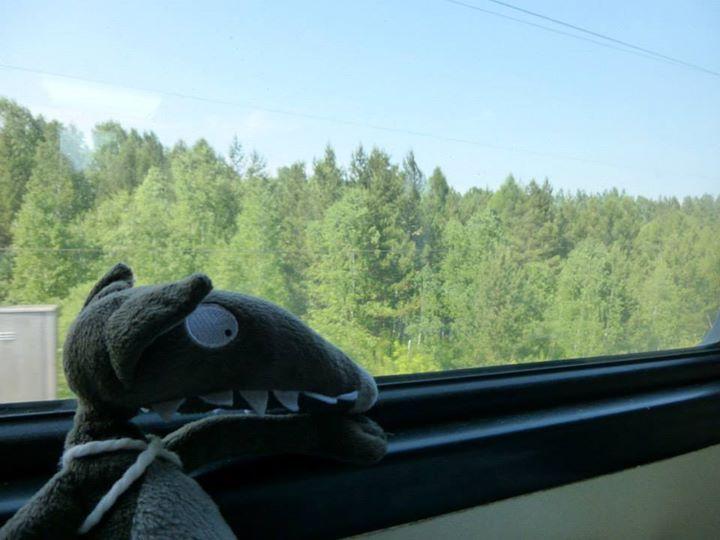 Après avoir visité Moscou, Loup a pris le Transsibérien pour aller découvrir la Sibérie. Il a vu de beaux paysages. – à Russie.