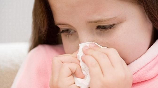 Menurutnya salah satu cara aman membersihkan hidung dengan mencuci hidung menggunakan air