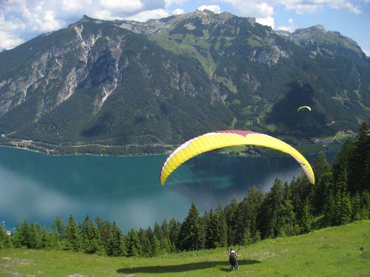 #Paragleiten am #Achensee  http://www.karwendel-achensee.com/de/hotel-am-achensee/gaestestimmen/
