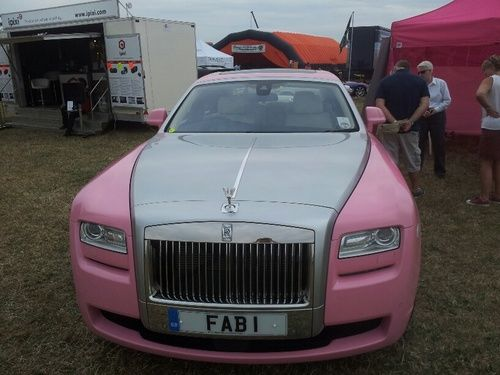 FAB1 raising funds for Breast Cancer at CarFest South 2013
