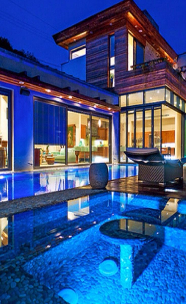 luxury homes with pools
