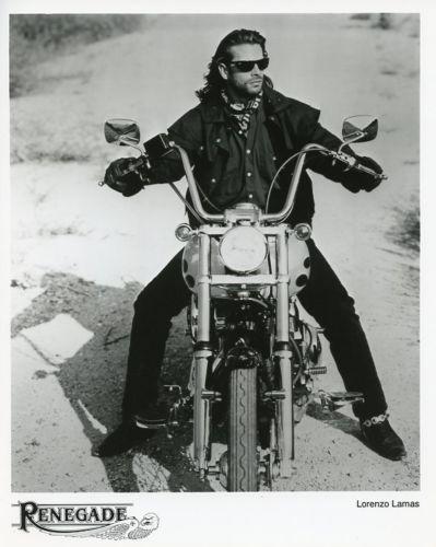 LORENZO-LAMAS-ON-MOTORCYCLE-CHOPPER-RENEGADE-ORIGINAL-1991-FOX-TV-PHOTO