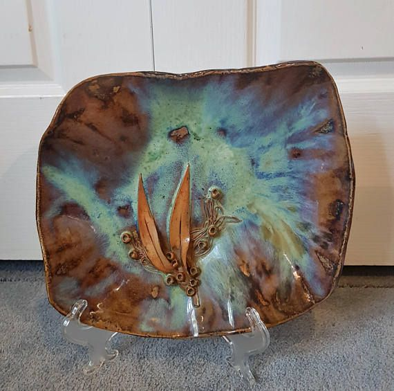 Check out this item in my Etsy shop https://www.etsy.com/au/listing/547468066/rare-unique-1980s-australian-art-pottery