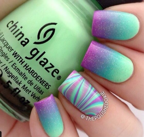 watermarble and ombré nails