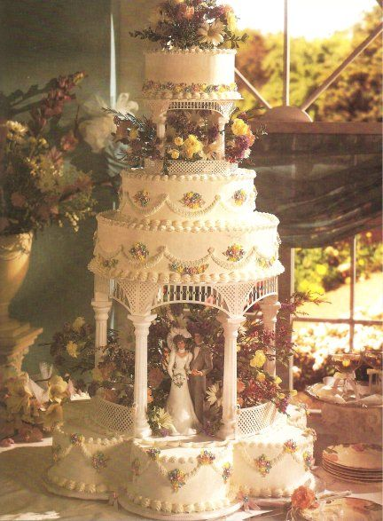 old fashioned wedding cake designs | Fashioned as an elegant gazebo setting, the bride and groom are hidden ...