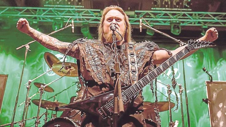 Die Hauptband bei Rock am Stück: die Power- und Folk-Metal-Band Orden Organ aus Arnsberg. Foto:Florian Stangl/nh