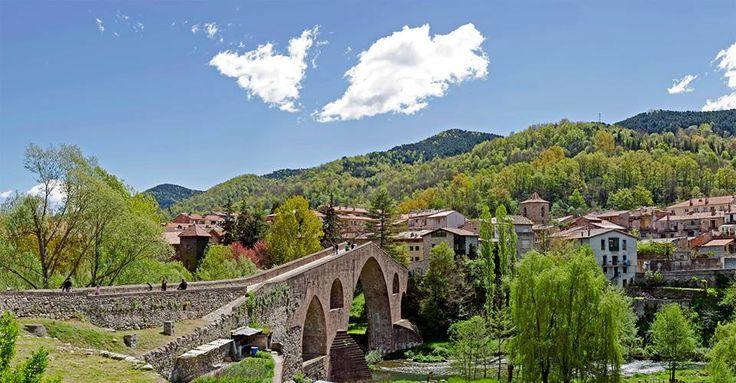 Sant Joan de les Abadesses, El Ripollès. El Pirineu català