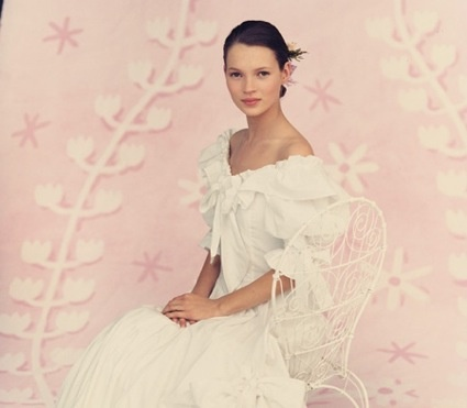 Vintage A 17 Year Old Kate Moss In Laura Ashley Yes