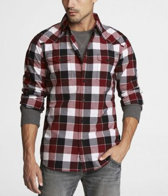 Plaid Flannel Shirts larger on the color stripe looks nice. The smoke gray  long sleeved tee-shirt sexy. Inspiration for Men