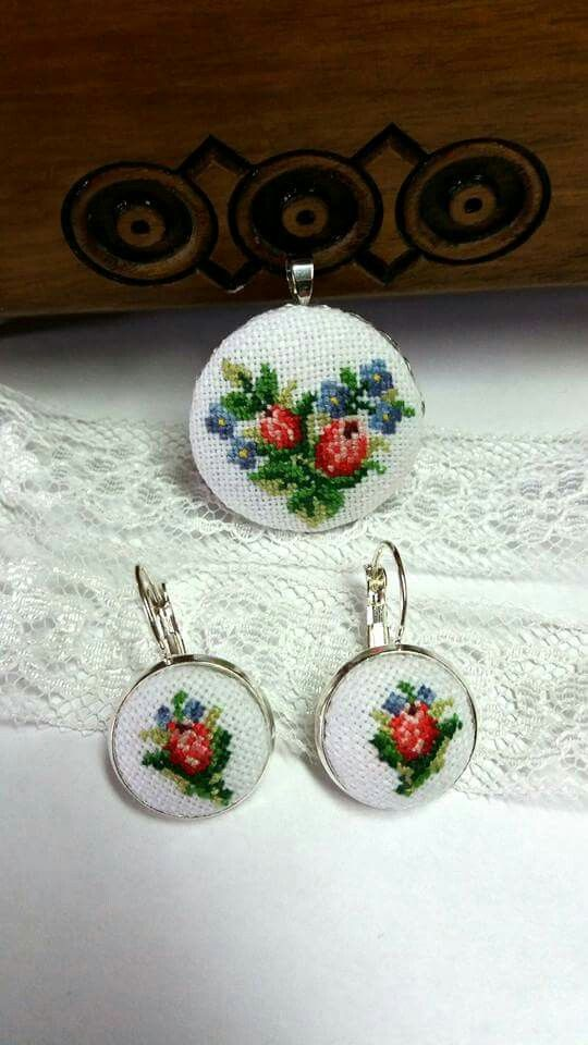 embroidered pendant & earrings