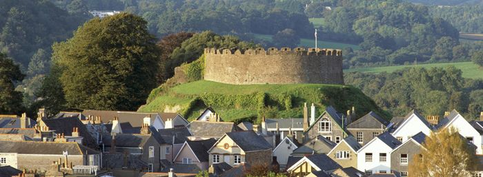 The Totnes Castle is a fantastic English Heritage Landmark overlooking the town.