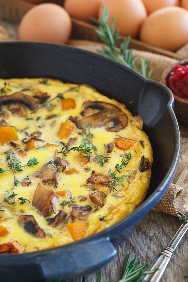 Start the holiday off right with this Thanksgiving breakfast frittata filled with mushrooms, butternut squash, shallots and herbs.