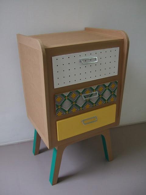 Chevet en carton avec un petit air vintage!