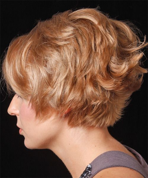 Short Wavy Strawberry Blonde Hairstyle With Layered Bangs