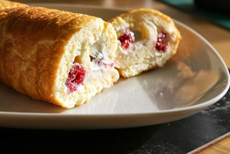 #SlimmingWorld Roulade (1/2 syn for the whole cake! No flour or sugar and really tasty.