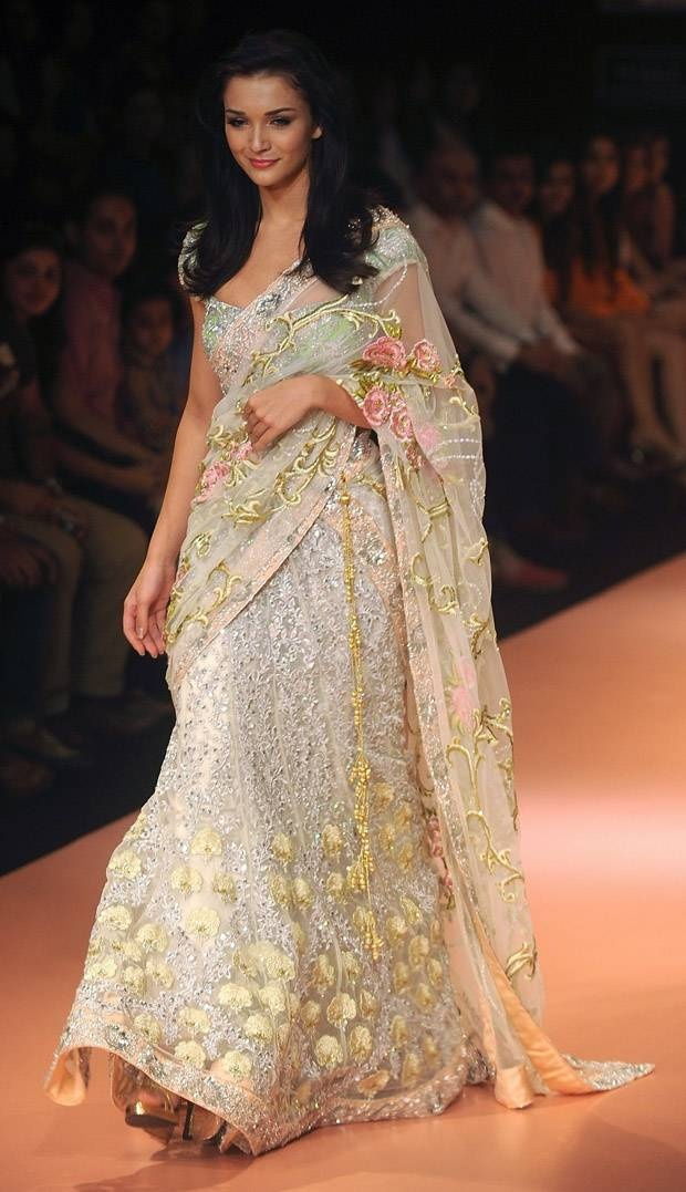 British Bollywood Actor Amy Jackson in a Pallavi Jaikishan Saree