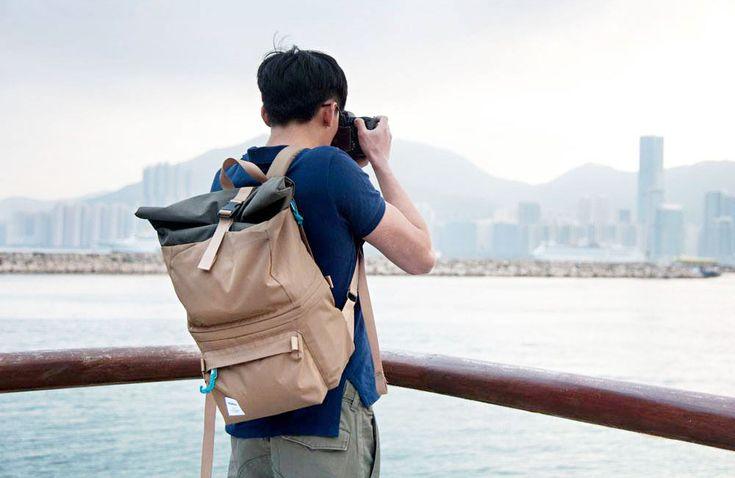 """Klare Linien und kräftige Farben zeichnen die Taschen und Rücksäcke vonHellolulu aus.Mit dieser dezentenOptik sind dieprimär für Fotografen konzipierten Modelle somit auch bestensfür den übrigen """"Taschenalltag"""" geeignet. Schon wieder Fototaschen, schon wieder Hongkong: Wie auch schon die kürzlich vorgestellten Taschen … Weiterlesen"""