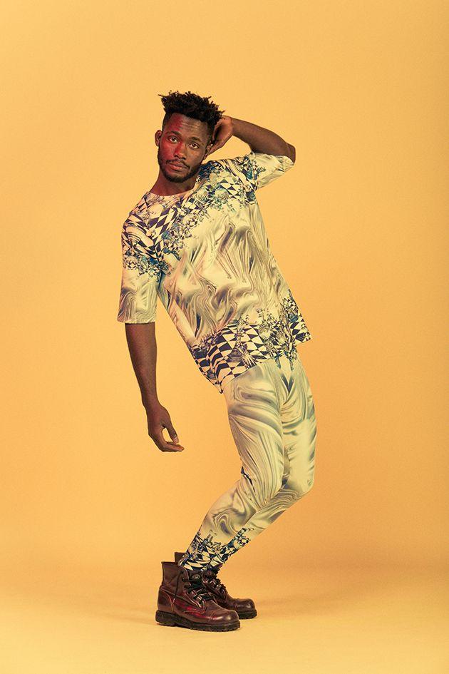 Nada de coisinha discreta por aqui - o que acha desse camisetão de neoprene (R$ 169,90) + a legging da mesma estampa (R$ 129,90)?