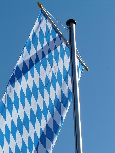 Kostenloses Bild auf Pixabay - Fahne, Bayern, Flagge, Wehen
