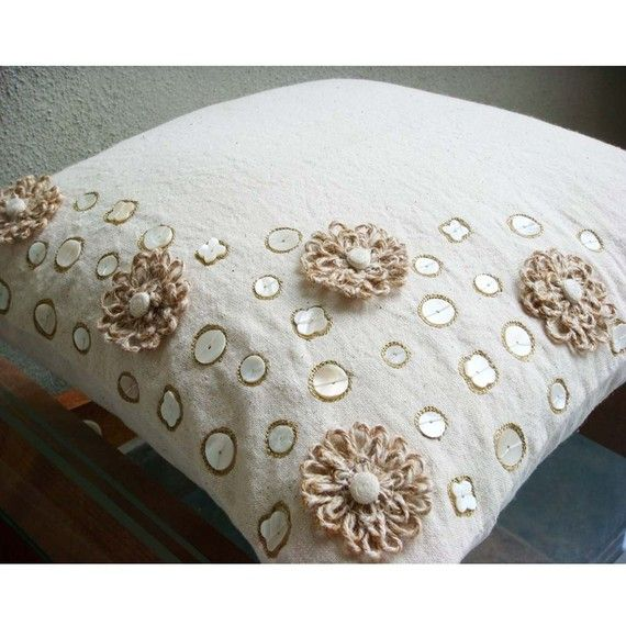 Jute Flowers Pillow Sham Covers 24x24 Inches por TheHomeCentric