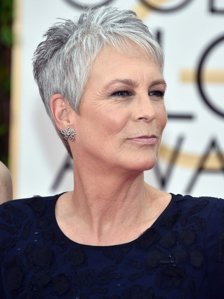 So You're Going Gray: Here's how to play up your beautiful new hair colour #fashion #advanced #advancedstyle #over50 #fab #curlyhair #hairproducts #toget #blowout #waves #aginggracefully #fiftynotfrumpy #maturity