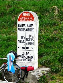 Col de Peyresourde borne.JPG