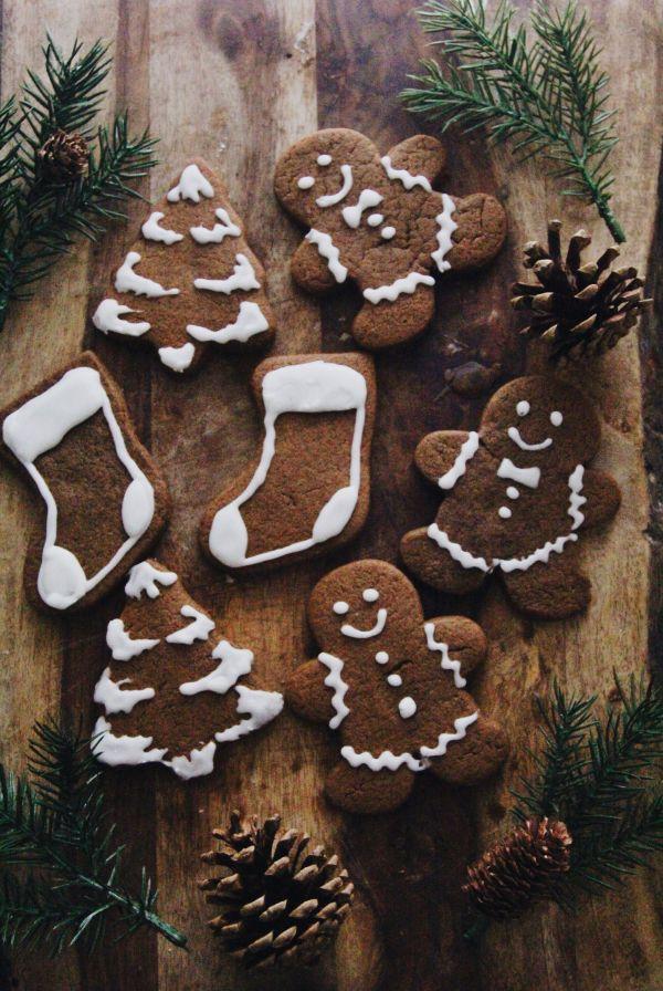 Vegan Gingerbread Cookies | The Fox & The Fawn