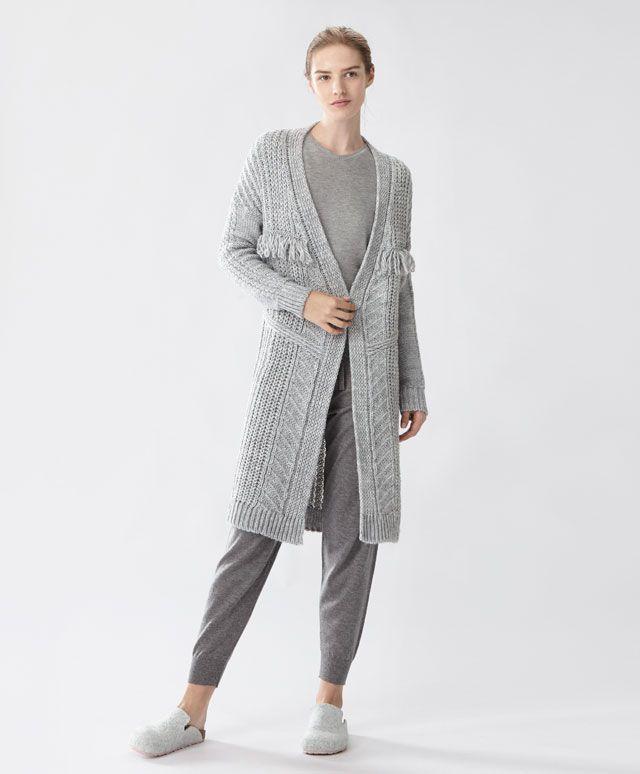 Kabátik so strapcami - Saká A Svetre - Trendy AW 2016 v dámskej móde na Oysho online: spodné prádlo, športové oblečenie, etno, boho, obuv, doplnky a móda na kúpanie.