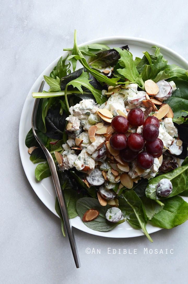 Creamy Rosemary and Red Grape Chicken Salad {Paleo; Whole30-Friendly} #recipe