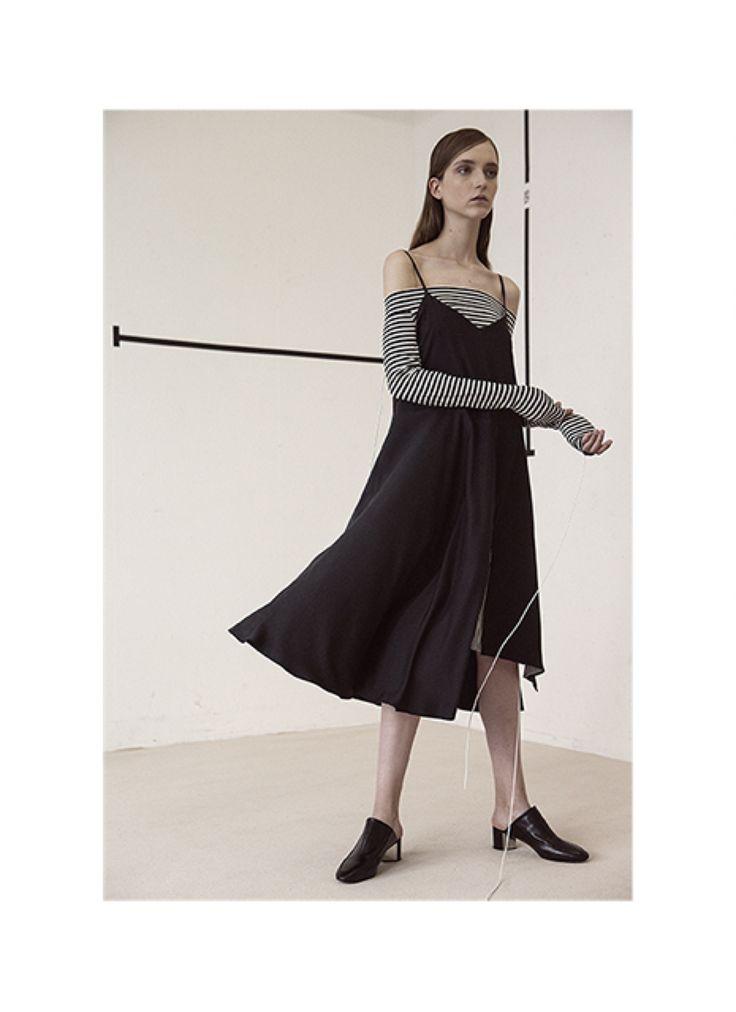 RANDA - Robe en cupro coloris noir  TINA - Top épaules dénudées jersey rayé