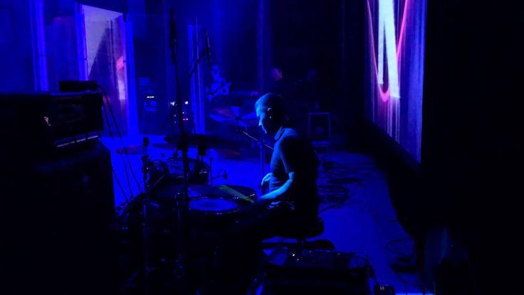 Барабанщик Денис Василевский - эндорсер Agner, группа Кристины Орбакайте - играет соло одной рукой после травмы.
