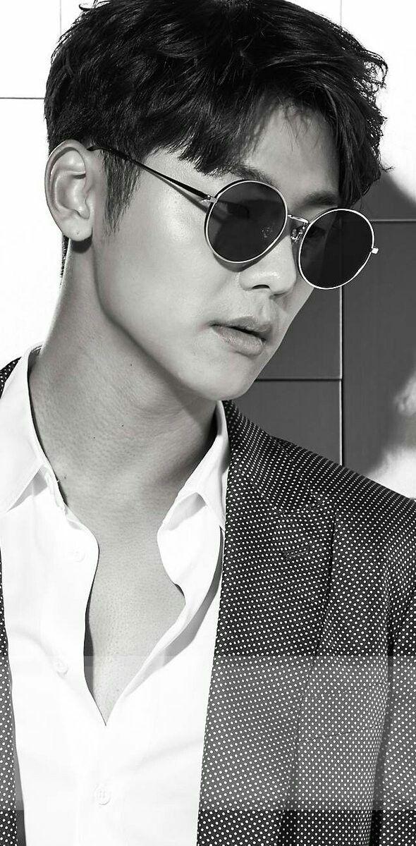KMH black & white