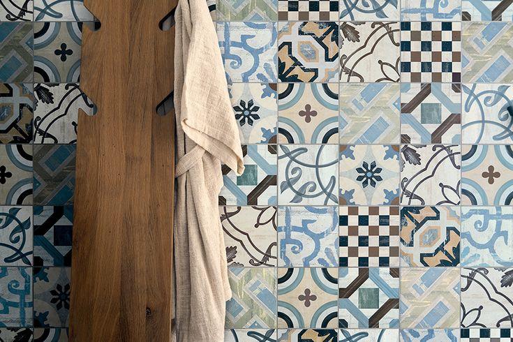 Inspiriert durch die wunderschönen aber in der Pflege problematischen Zementfliesen aus Marokko, haben wir versucht etwas neues zu schaffen. Fantastisch wie die Fliesen des Bahia Palastes aber pflegeleicht wie alle anderen Produkte von l´argilla ist die Serie Marrakesch.