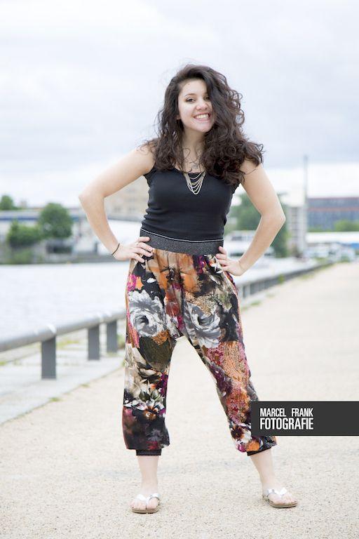 Alladinhose  Eine lässige BaggieHose, Tanzhose, Jogginghose, Weggehhose, Aladdinhose .... Je nachdem welchen Stoff du nimmt und zu welchem Anlass du sie nähst ;) I love my brandnew aladdinstyle trousers! It's selfmade and super easy, so just have a look on my blog, where I show you how to DIY // http://blog.schnittmuster-berlin.de/2015/06/hose-arifa-schritt-fuer-schritt/