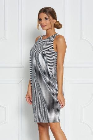 Štýlové šaty na hrubšie ramienka s okrúhlym výstrihom, zadná časť zapínanie na zips, vhodné na party či na akúkoľvek príležitosť.