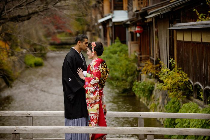 37 Frame Photography –Kyoto bridal portraits. www.theweddingnotebook.com